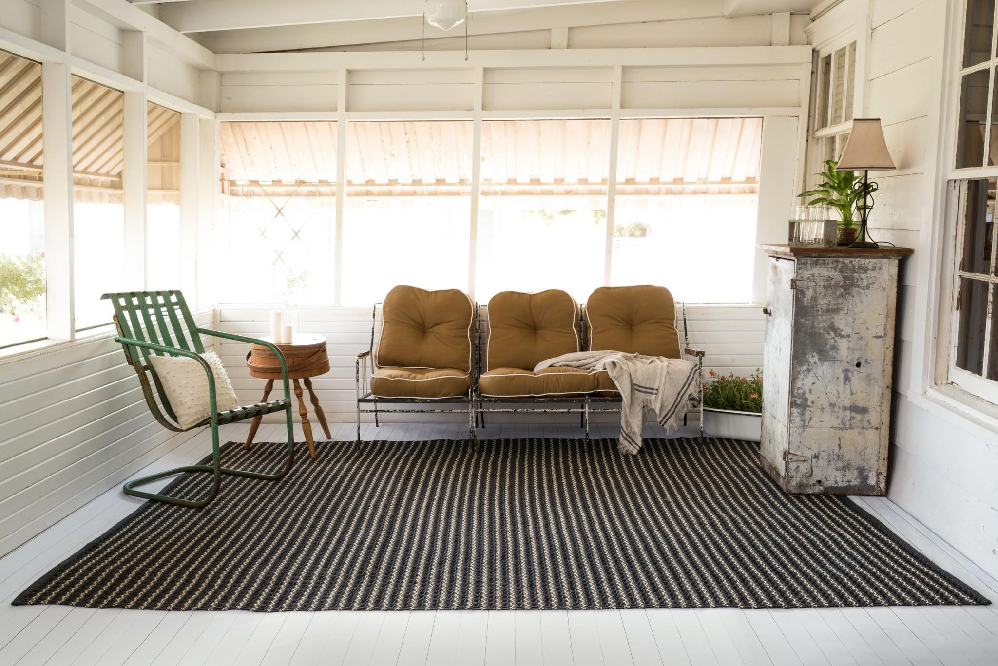 YARD rug TER2CC roomscene